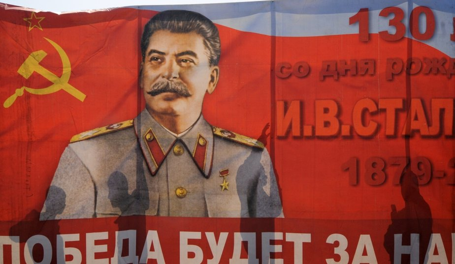 monopole-staline
