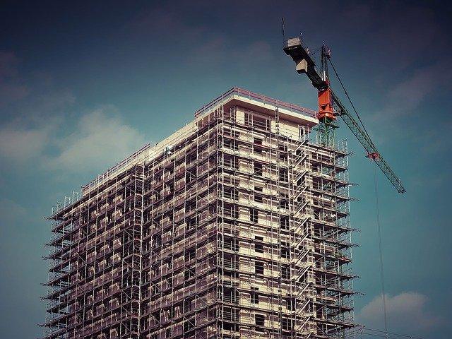 construction-immeuble-grue